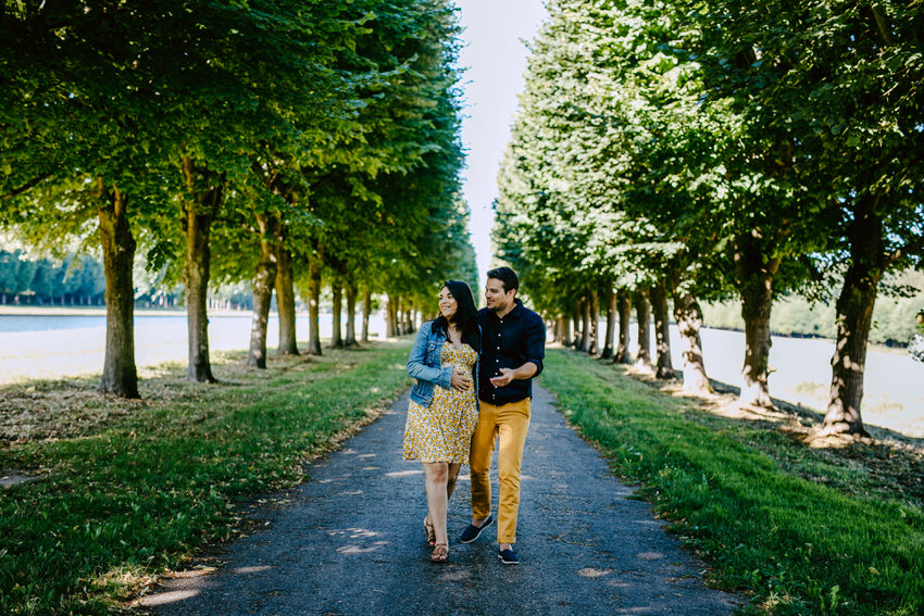 photo de couple au naturel - photographe lifestyle fontainebleau - séance photo couple grossesse - photo grossesse seine et marne - photographe famille ile de france - lucie atlan photographe