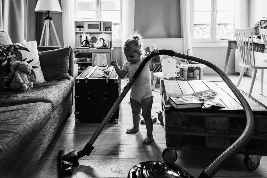 reportage photo famille - séance photo famille en exterieur - photographe lifestyle fontainebleau - photographe famille seine et marne - portraits d enfants naturels - lucie atlan photographe